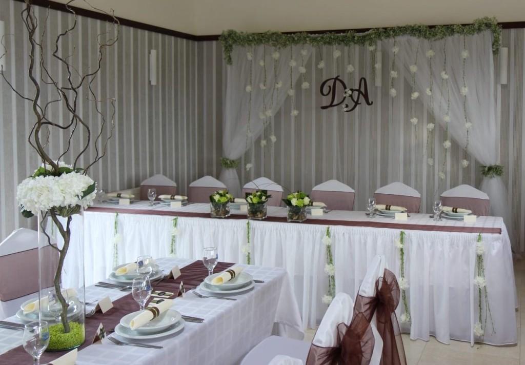 Bézs-barna esküvő – Detty & András
