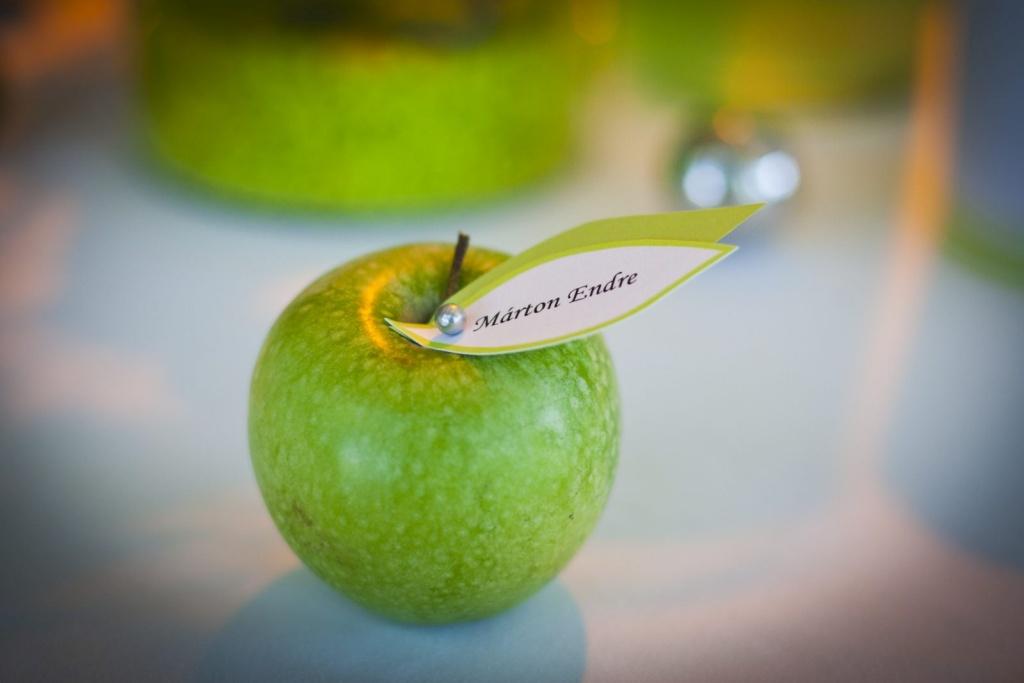 Ezüstlakodalom zöld alma témában – Valcsi & Feró